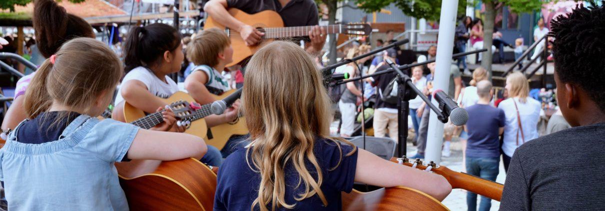 Bildungsprojekt Gitarrenfans